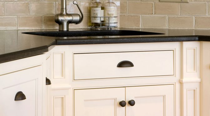 How to Paint Previously Varnished Kitchen Cabinets